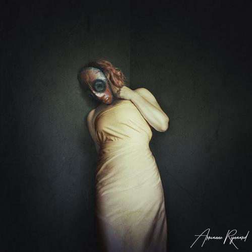 Arrianne Rijnaard - Faceless
